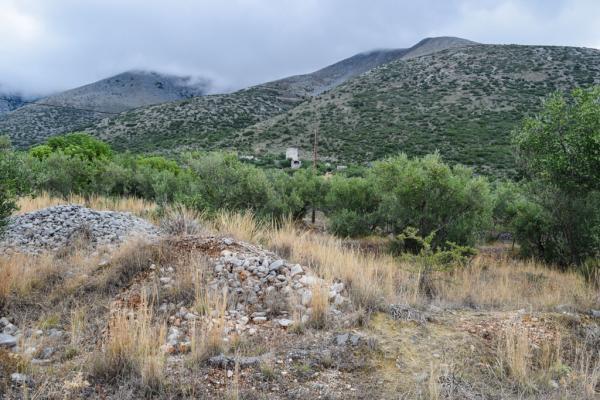 Parfois, seule une tour de pierre dépasse du paysage © MB | YONDER.fr.fr