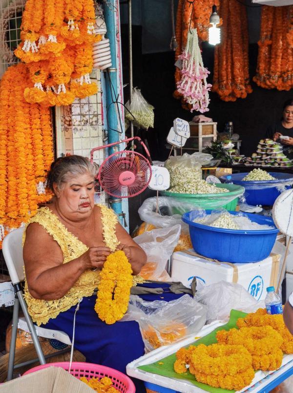 Scène du marché aux fleurs © Constance Lugger