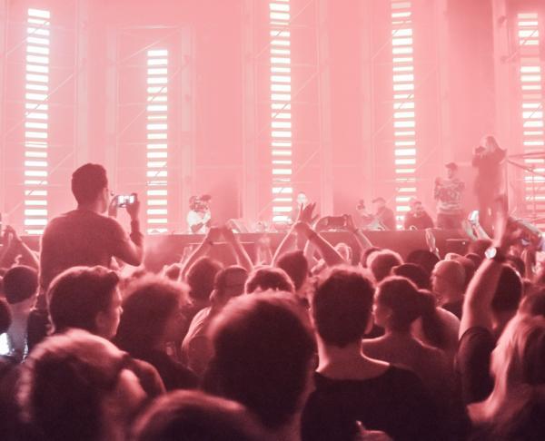 Pendant le set de Maceo Plex sur la scène Ellum © Yonder.fr