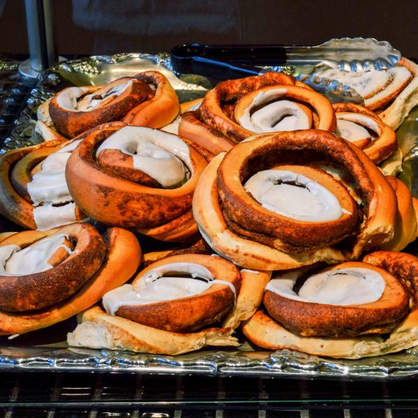 Les roulés à la cannelle, la bouchée classique des pays scandinaves. © Pierre Gunther