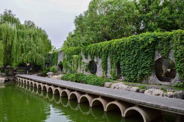 Le jardin est le lieu idéal pour un shooting photo. © Pierre Gunther