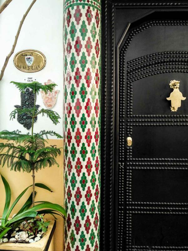 La promenade dans les rues de Tanger est le meilleur moyen de découvrir les lieux insolites qui habitent la ville © Alix Laplanche