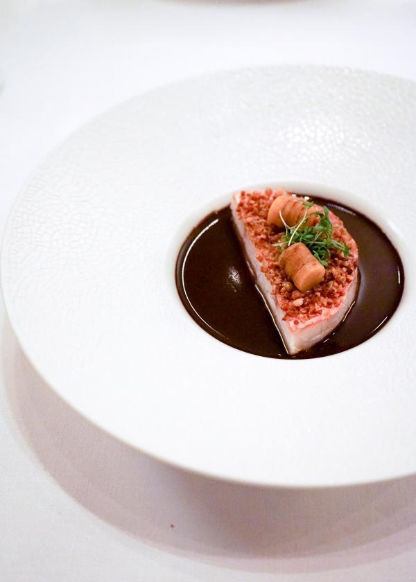 Rouget Barbet confit, concentré torréfié, butternut, foie gras © YONDER.fr