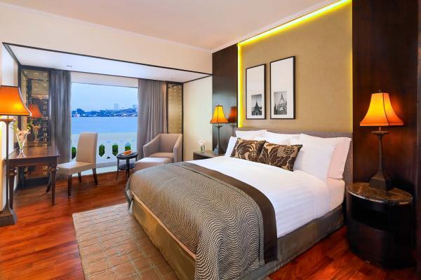 Une chambre deluxe à l'Anantara Riverside, avec vue sur le fleuve © Anantara