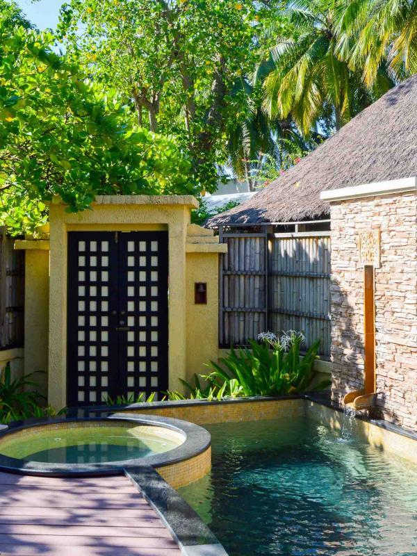 La piscine est idéale pour se rafraichir aux heures le plus chaudes. © Pierre Gunther