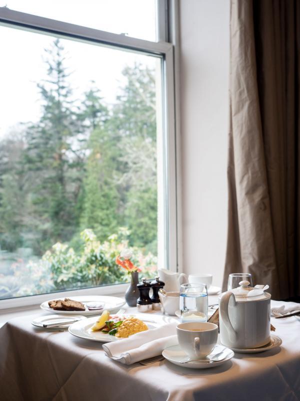 Réveil en douceur : petit-déjeuner avec vue sur la mer © Alix Laplanche