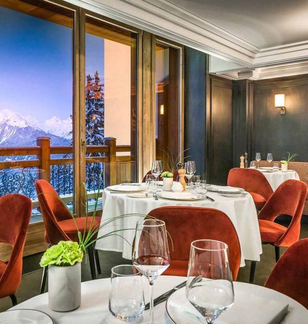 L'Apogée Courchevel – Restaurant Le Comptoir de l'Apogée © DR