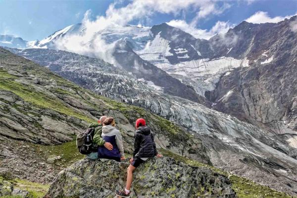 Balade en famille au glacier de Bionnassay © OT Saint-Gervais - Boris Molinier