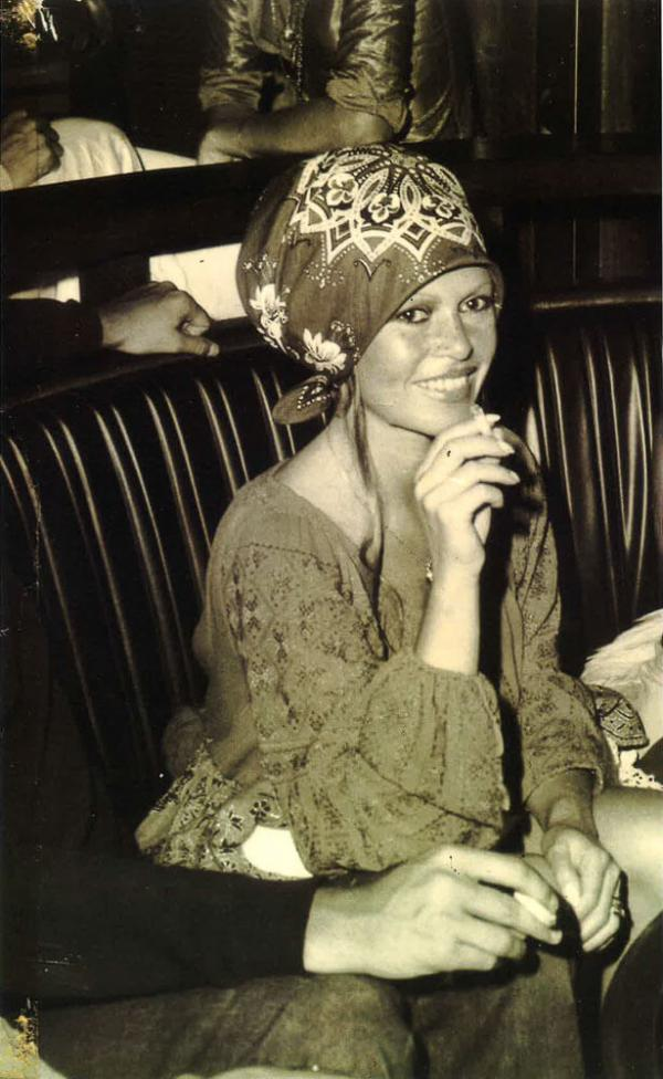 Brigitte Bardot aux Caves du Roy, le mythique nightclub du Byblos © Dronsart