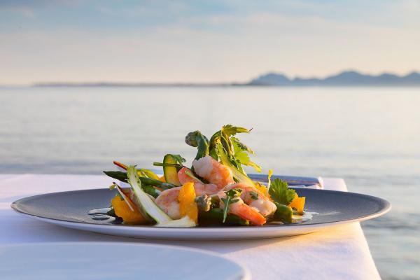 Cap d'Antibes Beach Hotel | La cuisine étoilée du restaurant Les Pêcheurs © DR