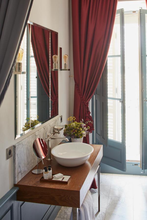 Les élégants intérieurs du Château de Fonscolombe © DR