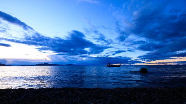 Coucher de soleil sur la Lac Titicaca. | © Cédric Aubert