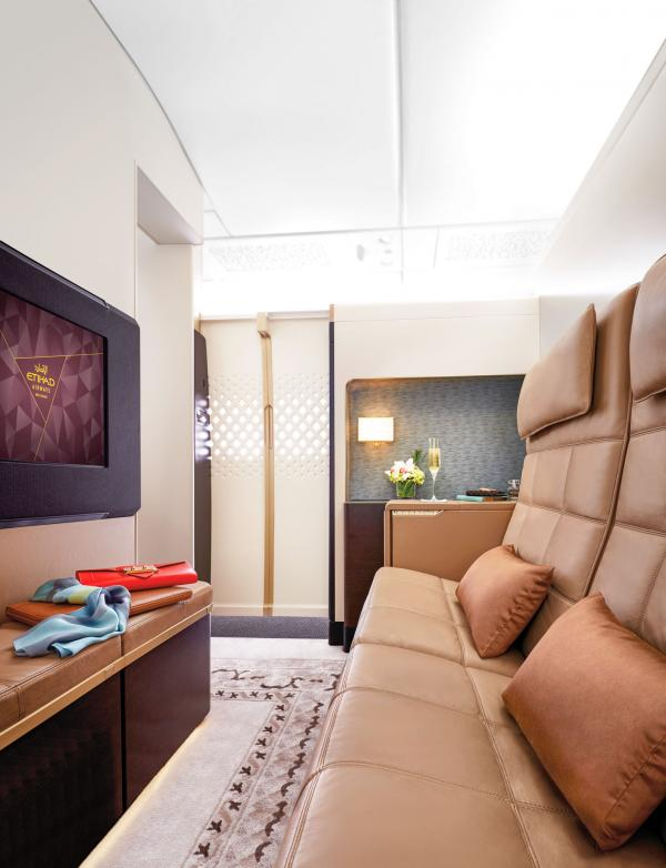 The Residence : l'espace salon avec TV 32' © Etihad