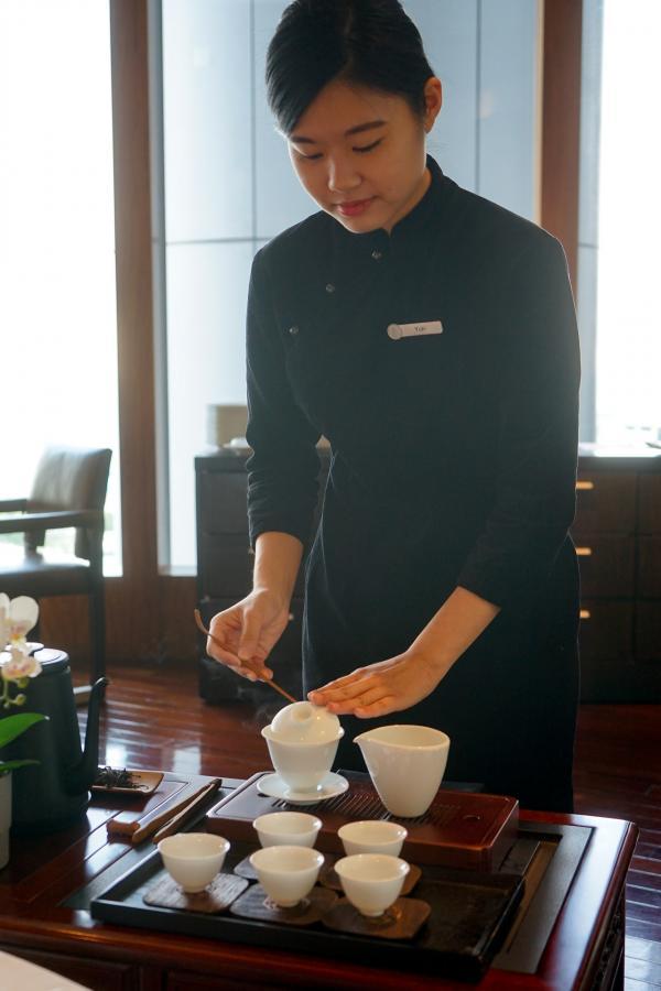 Restaurant Lung King Heen, Hong Kong – Service du thé © MB / YONDER.fr