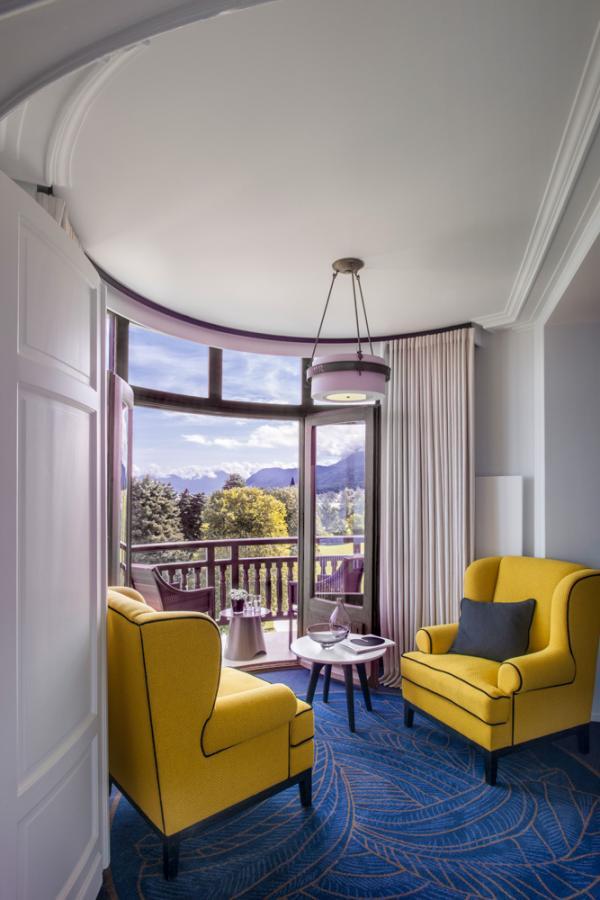 Hotel Royal Evian — Junior Suite Rotonde, salon © DR