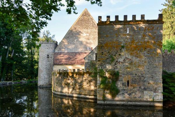 L'entrée de l'hôtel se fait comme dans un véritable château fort © Emmanuel Laveran