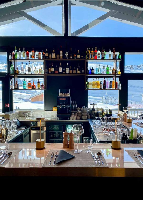 Hôtel Marielle (Val Thorens) - Bar avec vue © YONDER.fr | EL