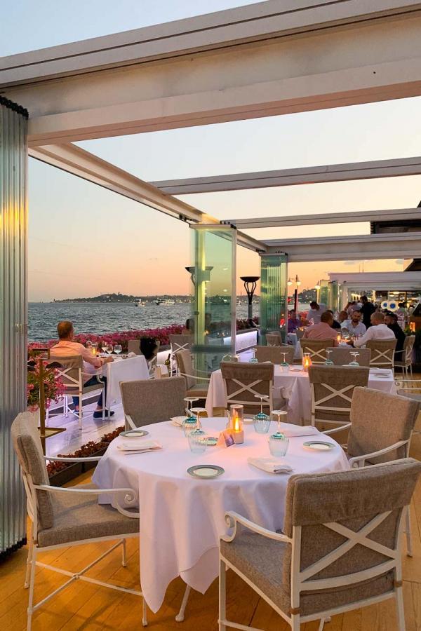 Four Seasons Hotel Istanbul at the Bosphorus – Restaurant Aqua © MB YONDER.fr