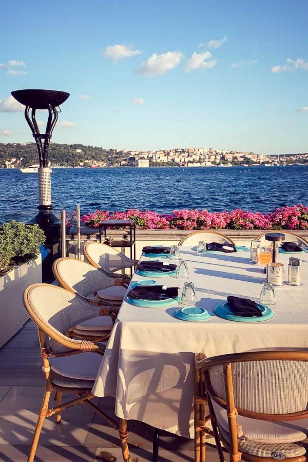 Le restaurant de spécialités turques Ocakbaşi sur la terrasse de l'hôtel © MB YONDER.fr