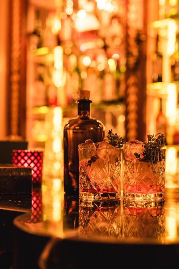 Le Choix des Apothicaires, un cocktail XXL préparé sur mesure à déguster à deux © Solli Kanani