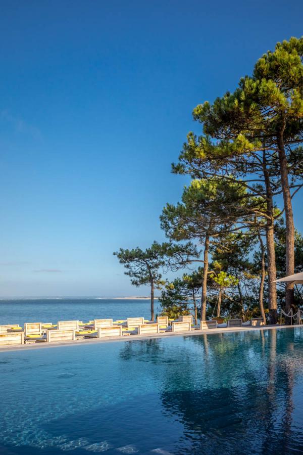 La Co(o)rniche – piscine et vue sur l'océan © DR