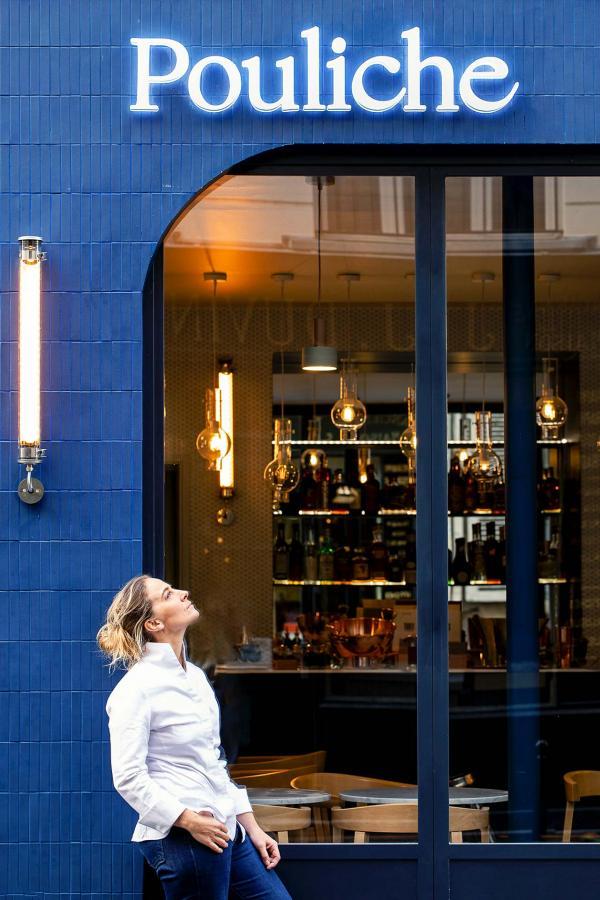 Amandine Chaignot devant son restaurant, Pouliche © Benedetta Chiala