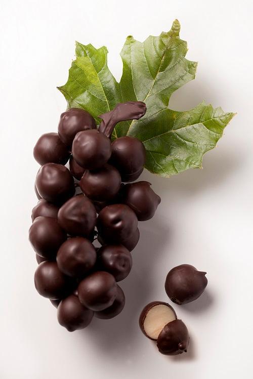 La grappe de raisins en chocolat, signature de Spegelaere © DR