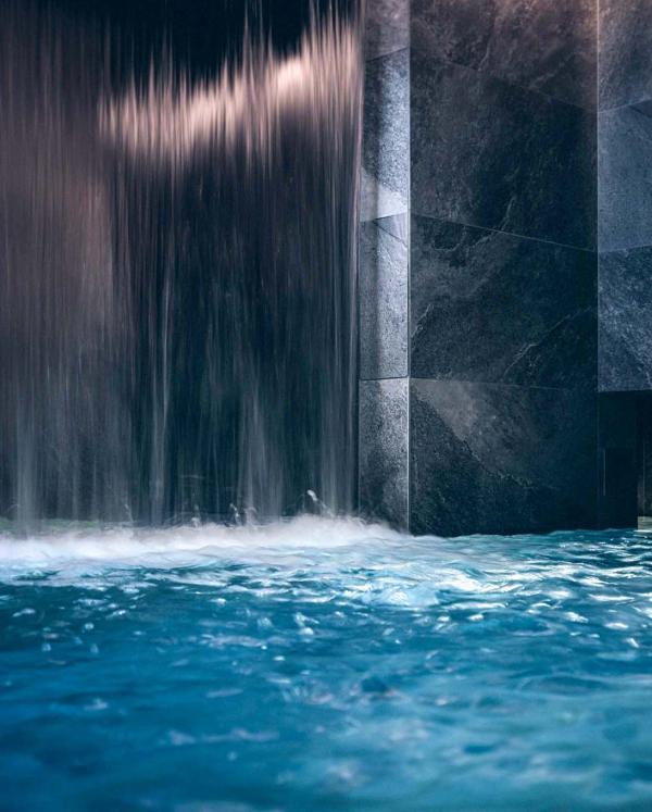 Yonaguni Spa cascade — Parc Hôtel Obernai © Nis&For
