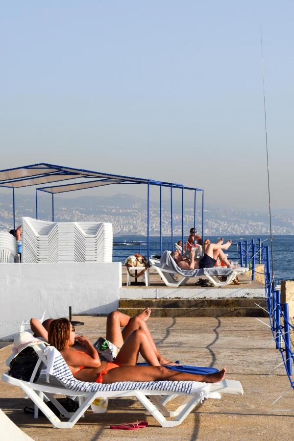 Fin d'après-midi ensoleillée sur le Sporting Beach Club © YONDER.fr