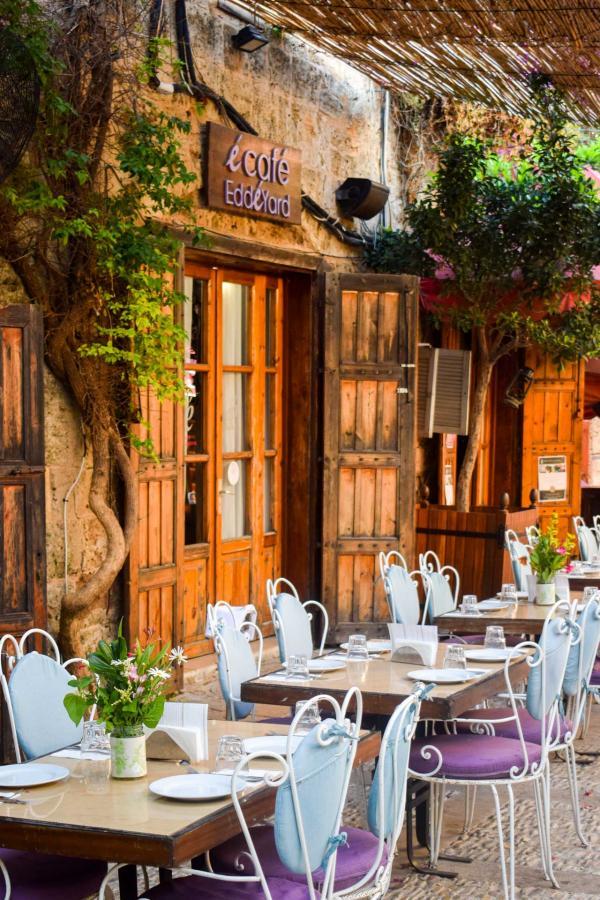 Les cafés du Old Souk de Byblos sont prisés de la jeunesse libanaise et beyrouthine © YONDER.fr