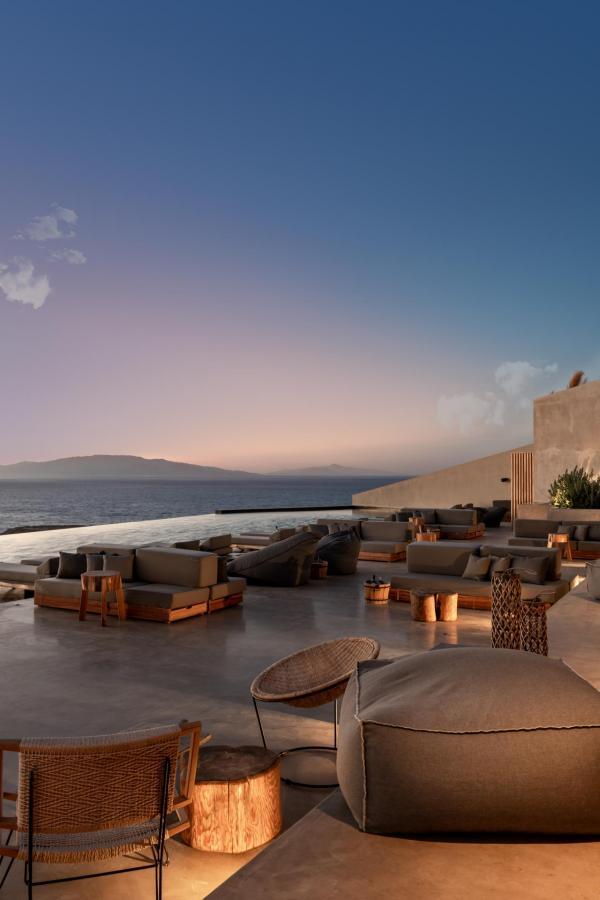 Andronis Arcadia | Terrasse au coucher de soleil © Andronis Arcadia