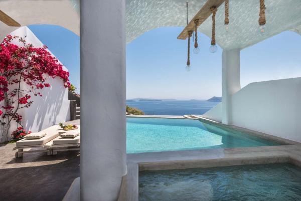 Andronis Boutique Hotel | Suite Prestige avec piscine à débordement © Andronis