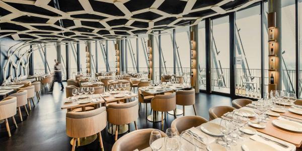 Les intérieurs du restaurant panoramique © Cité du Vin