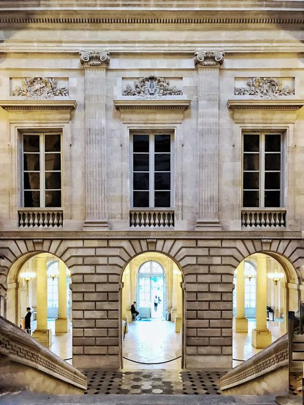 La superbe façade intérieure du Grand-Théâtre de Bordeaux © YONDER.fr