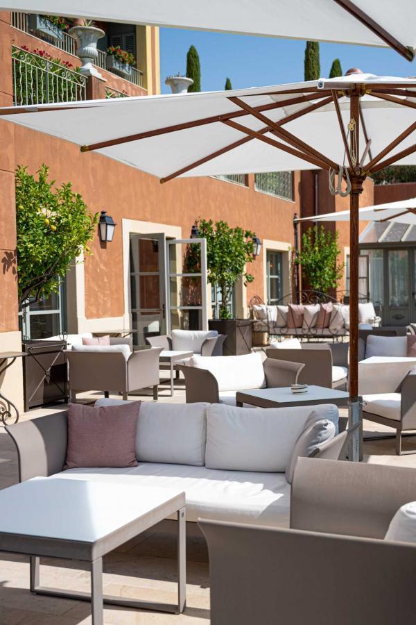 Hôtel & Spa du Castellet — Bar © LiveandShoott