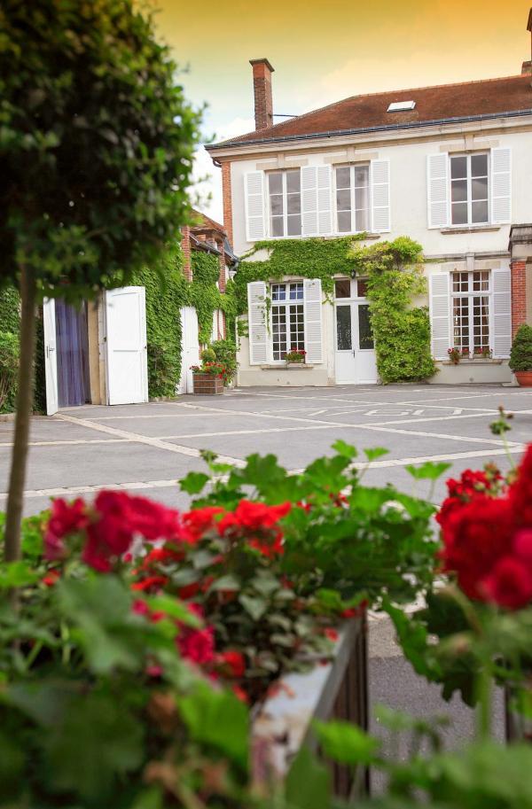 La Maison Delamotte au Mesnil-sur-Oger en Champagne © Salon & Delamotte