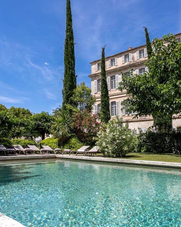 Château de Mazan — piscine ©DR