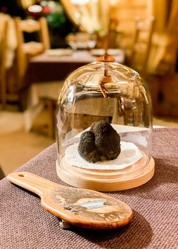 Les chalets hôtel de la Croix Fry —cuisine et truffe. © Emmanuel Laveran.