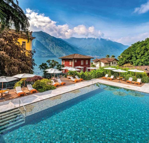La piscine au-dessus de l'hôtel © DR