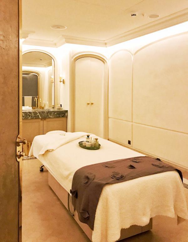 À l'intérieur de l'une des très luxueuses cabines de soin du spa © YONDER.fr