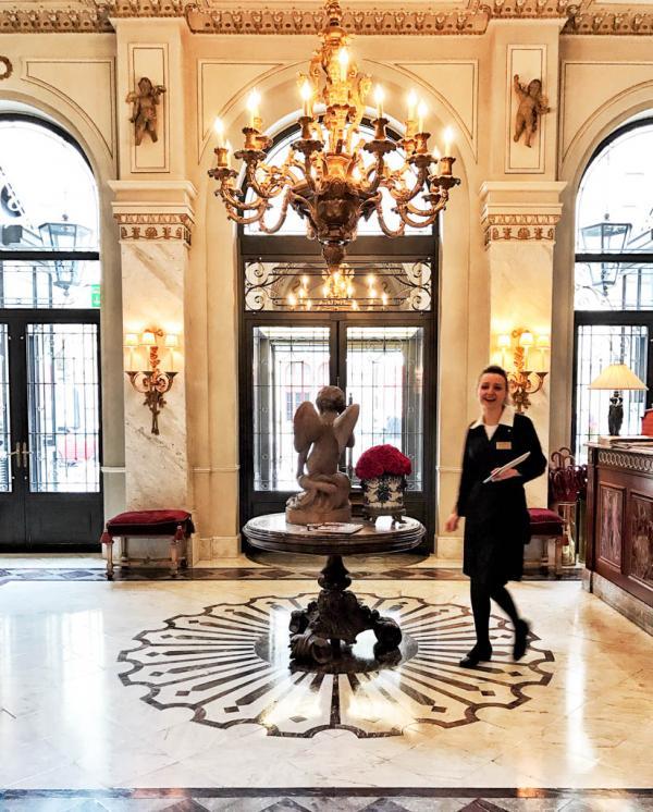 """Le """"vestibule"""", luxueux et lumineux © YONDER.fr"""