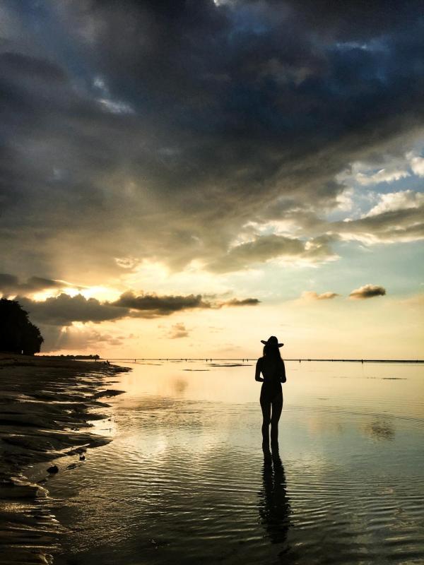 L'incontournable coucher de soleil sur la plage privée de l'hôtel © Constance Lugger