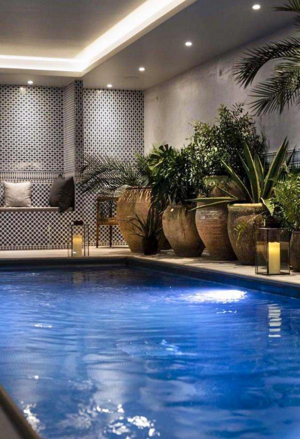 Hôtel Monte Cristo — piscine © DR