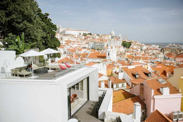 Le vue est imprenable depuis la terrasse du Memmo Alfama, Lisbonne.