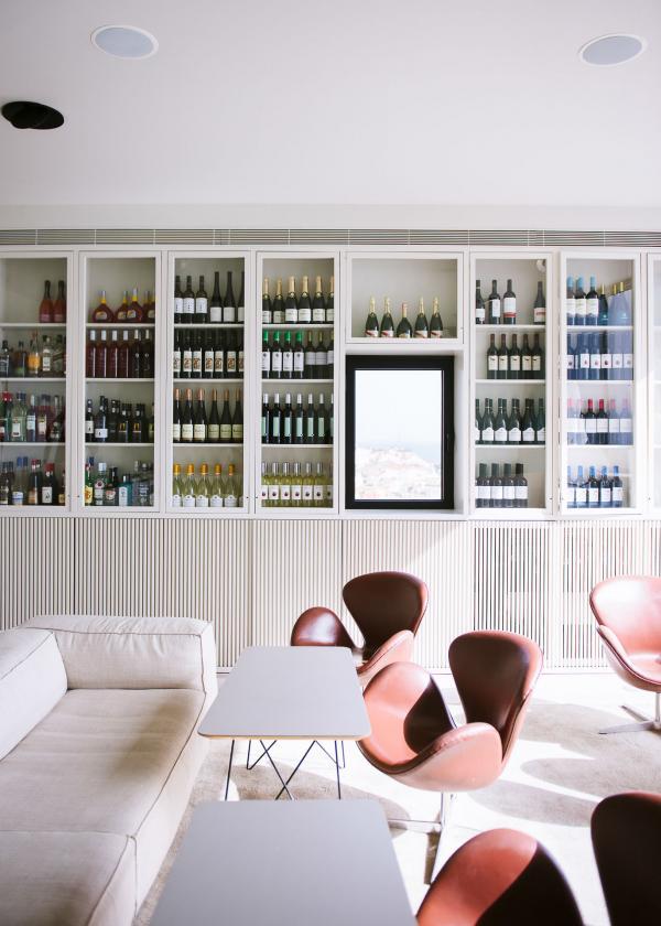 Le terrasse et cave à vin du Memmo Alfama, Lisbonne.