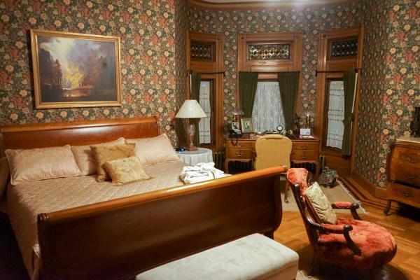 Dans une chambre de la Nagle Warren Mansion © YONDER.fr