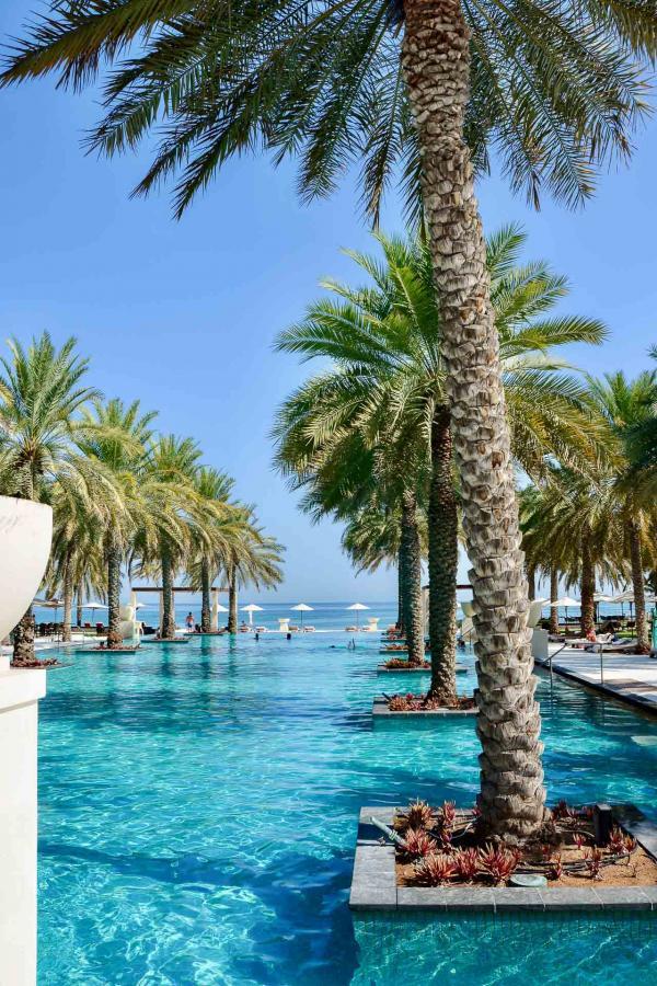 Les superbes piscines du Ritz Al Bustan Palace. © Emmanuel Laveran.