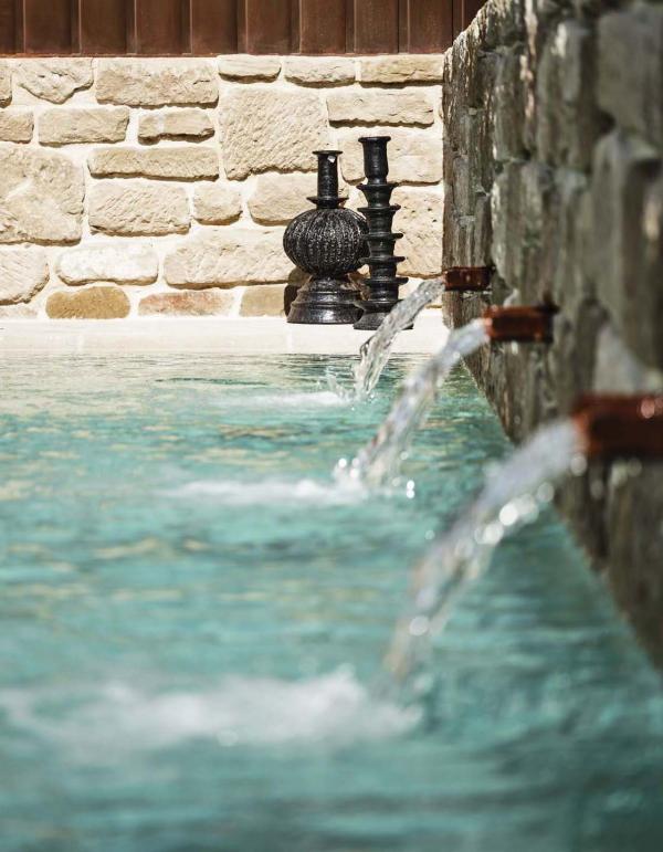 Palacio de Samaniego — piscine © Weston Mills