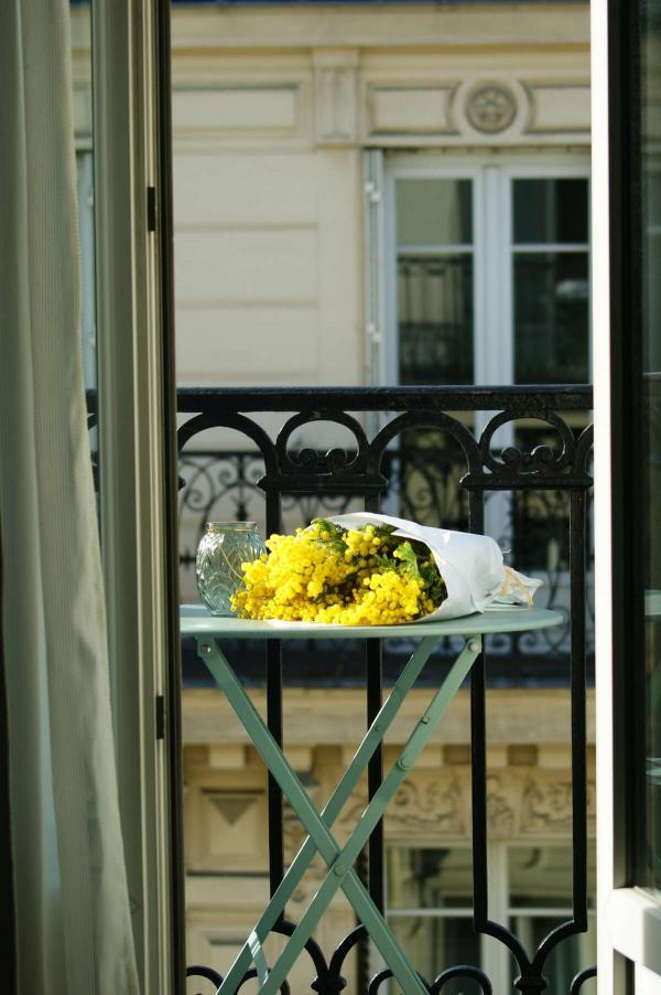 Hôtel Petit Lafayette – Balcon haussmannien © DR