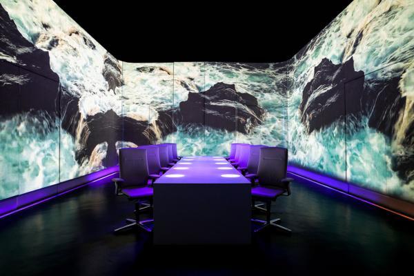 La salle à manger d'Ultraviolet : seulement dix couverts et une technologie de pointe © Scott Wright